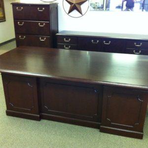 Used Traditional Desks